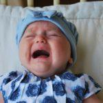 赤ちゃんが泣き止まない!どうしようもない時の放置はいけないこと?