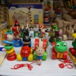1歳用の手作りおもちゃ。100均アイテムで作るマグネットの玩具